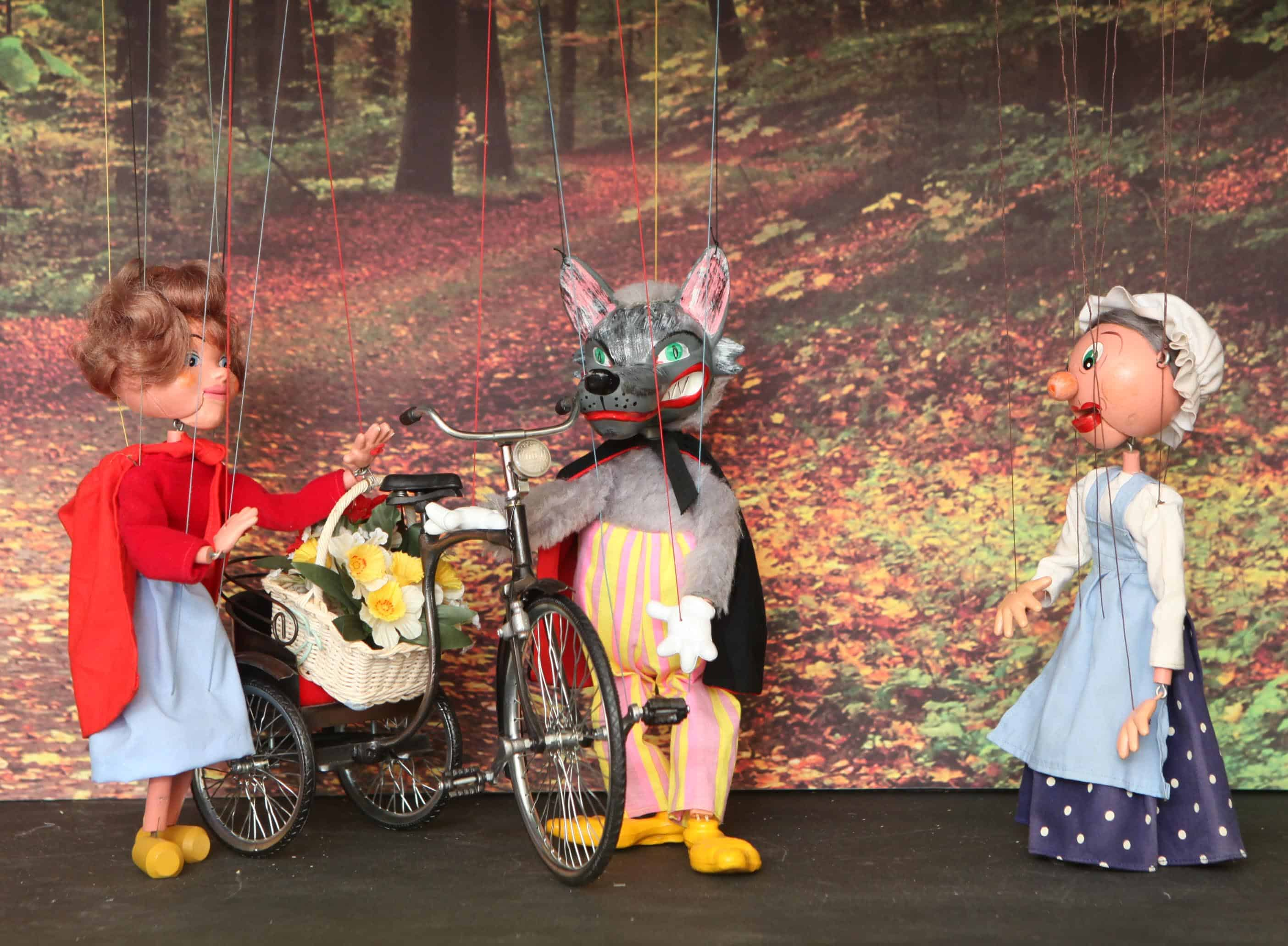 The Moon & Sixpence Family Marionette Performance